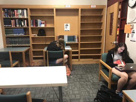 Seniors Sarah Gottbetter and Courtney Burrow working in the silent study room during a free.   PHOTO/Danielle Feinstein